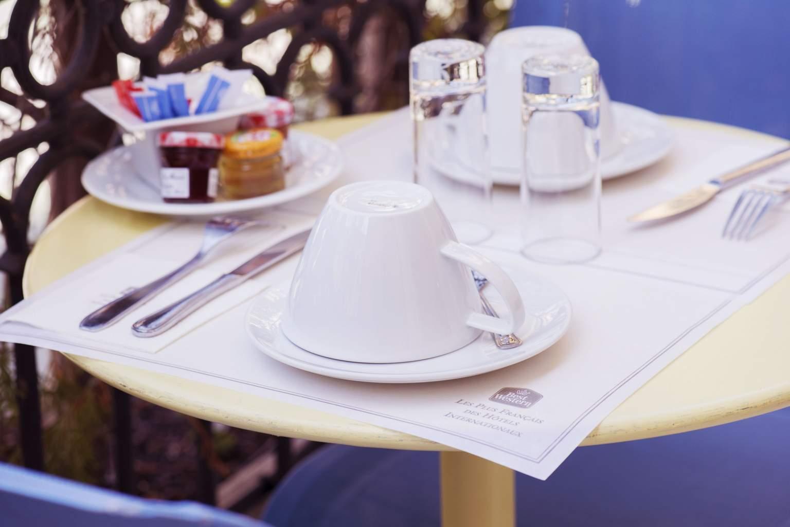 Petit-déjeunerBest Western Nice · Hotel Alba 4 étoiles