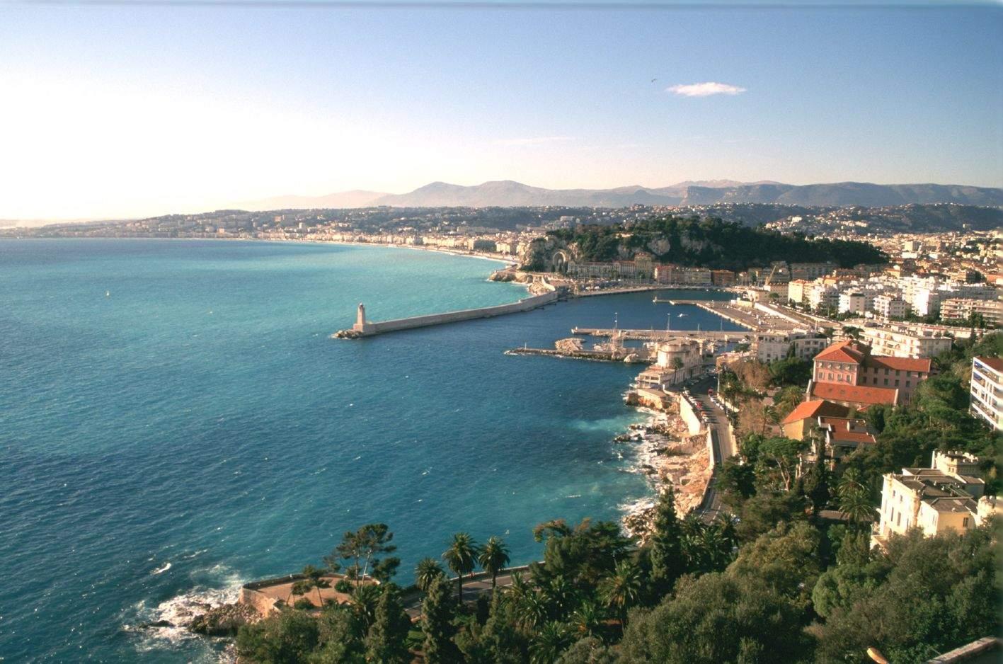 Best Western Nice · Hotel Alba 4 étoiles Nice Baie de Nice depuis la Coline du Château